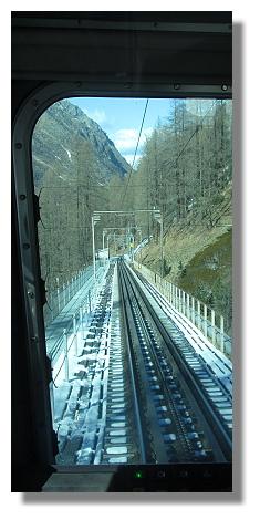 [Foto:findelbach-zahnradbahn-ausblick.jpg]
